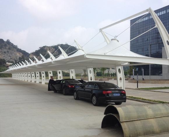 钢结构雨棚施工